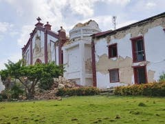 Beschädigte Kirche in Itbayat in der philippinischen Provinz Batanes nach dem Erdbeben vom Samstag. (Bild: KEYSTONE/EPA DOMINIC DE SAGON ASA/DOMINIC DE SAGON ASA HANDOUT)