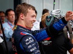 Daniil Kwjat freut sich über seinen dritten Podestplatz in der Formel 1 (Bild: KEYSTONE/EPA/VALDRIN XHEMAJ)