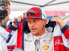 Kimi Räikkönen (Bild) und Antonio Giovinazzi wurden von den Stewards nachträglich bestraft (Bild: KEYSTONE/EPA/SRDJAN SUKI)