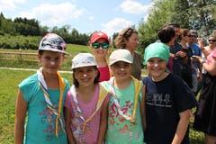 Mit Nivea-Crème schmuggeln die Mädchen am Besuchstag Watte. (Lagerbild: Meitlipfadi Altdorf, Grüningen, 24. Juli 2019)