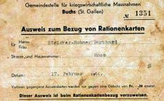 Festumzug am Kreismusiktag vom 30. Juli 1944 mit der «Harmonie» Buchs und Dirigent Fritz Blumer (neben dem Fähnrich).
