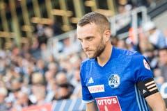 Trug die Captainbinde für den verletzten Claudio Lustenberger: Christian Schneuwly. (Bild: Urs Flüeler / Keystone, Luzern, 30. September 2018)