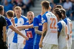 Luzerns Christian Schneuwly beteiligt sich in einer Rudelbildung nach dem 2:2 im Spiel FC Luzern gegen Grasshoppers. (Bild: Philipp Schmidli, Luzern, 6. August 2017)