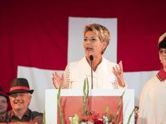 Justizministerin Karin Keller-Sutter hält in Rorschach SG ihre erste Bundesfeier-Ansprache als Bundesrätin. (Bild: KEYSTONE/ENNIO LEANZA)