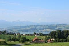 Blick über den Sempachersee. (Bild: Irene Wanner, Eich, 5. Juli 2019)