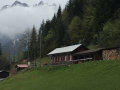Liegt bereits auf Nidwaldner Boden: Die Schönenboden-Hütte der Alpenfreunde Hergiswil. (Bild: Robert Knobel, 7. Juli 2019)