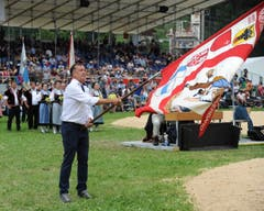 OK-Chef Bobby Arnold eröffnet das Fest. (Urs Hanhart, Flüelen, 7. Juli 2019)
