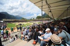 Ein Blick von der Tribüne auf die Arena am 113. Innerschweizer Schwingfest in Flüelen. (Urs Hanhart, 7. Juli 2019)