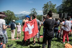 Viele Schaulustige zog es heute auf das Rütli. (Bild: Nadia Schärli, Rütli, 1. August 2019)