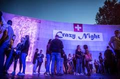 Müllheim TG - Impressionen von der Crazy Night in Müllheim. Der TV Müllheim organisiert diese Party seit 25 Jahren. Dieses Jahr mit einem riesen Wasserfall.