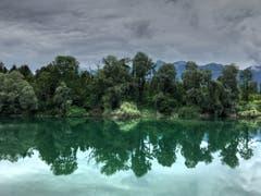 Der Baggersee bei Rüttenen mit dem Alpstein im Hintergrund. (Bild: Toni Sieber)