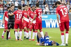 Die Spieler des FC Thun freuen sich über den Sieg. (Bild: Alexandra Wey/Keystone, Luzern, 11. August 2019)