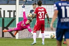 FCL-Torhüter Marius Müller muss sich zum zweiten Mal geschlagen geben. (Bild: Alexandra Wey/Keystone, Luzern, 11. August 2019)