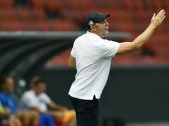 Der Match gegen Neuchâtel Xamax liess Zürichs Trainer Ludovic Magnin nicht kalt (Bild: KEYSTONE/WALTER BIERI)