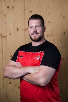 Philipp GloggnerGeburtsdatum: 23. 10. 1990Wohnort: Walchwil Beruf: Schreiner Grösse/Gewicht: 194 cm/135 kg Anzahl Kränze: 33/4