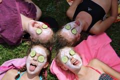 Auch ein bisschen Wellness darf man sich im Sommerlager ab und zu gönnen. Lagerbild: Pfarreilager Neuenkirch (Melchtal, 14. Juli 2019)