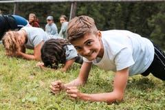 Wer gewinnt beim Planking? (Lagerbild: Jubla Hohenrain-Kleinwangen, 11. Juli 2019)
