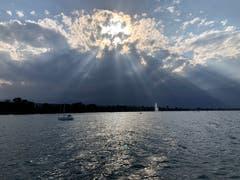 Mystisches Naturschauspiel auf dem Bodensee. (Bild. Beatrice Schnelli)