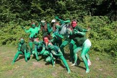 Diesen schaurigen Inselbewohnerinnen mussten sich die Mädchen des Blaurings Steinhausen stellen.Lagerbild: Blauring Steinhausen (Bargen, 13. Juli 2019)