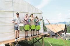 Musikalische Darbietung im Rontallager, welches heute zu Ende geht. (Bild: Ralph Ribi, Gontenbad, 17. Juli 2019)
