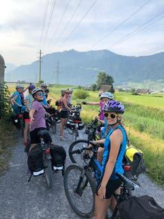 Ohne Pannen haben diese 13 Mädels insgesamt 6 Kantone mit dem Velo befahren. (Lagerbild: Blauring Buttisholz, Davos, 26. Juli 2019)