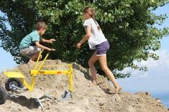 Auch Kinder können sich im Sand austoben. (Bild: Sheila Eggmann)