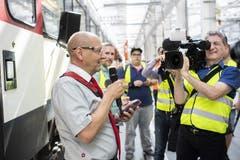 Stefan Spörri, Chef Kundenbegleitung SBB, vor den Medien (Bild: Keystone/Ennio Leanza)