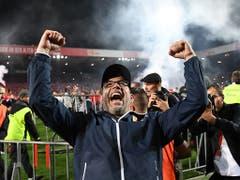 Ein Moment, der haften blieb: Urs Fischer feiert den Aufstieg in der Relegation gegen den VfB Stuttgart (Bild: KEYSTONE/DPA/JÖRG CARSTENSEN)