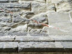 Der Zahn der Zeit nagt am Gemäuer des seit der Reformation protestantischen Gotteshauses. (Bild: Keystone/JEAN-CHRISTOPHE BOTT)