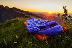 Am diesem heissen Samstag bin ich zum schlafen in die Berge geflüchtet. Dort oben ging ein angenehmes Lüftchen und dann der Sonnenuntergang, einfach ein Traum. (Bild: Sandra Wenzel)