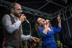 Auf der Vadian-Bühne begleitet die Cobana Bigband den Fassanstich. (Bild: Michel Canonica - 16. August 2019)