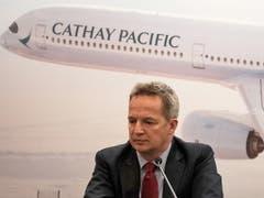 Der Konzernchef von Cathay Pacific, Rupert Hogg, tritt auf Druck Chinas von seinem Amt zurück. (Bild: KEYSTONE/EPA/JEROME FAVRE)