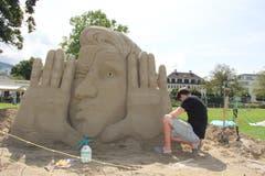 Skulptur «Wo bist du, Zukunft» am Freitagnachmittag. (Bild: Sheila Eggmann)