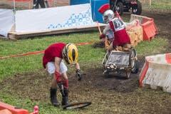 Diesen Teffli-Römern ist bei voller Fahrt ein Rad verloren gegangen. (Bild: Boris Bürgisser, Ennetmoos, 17. August 2019)