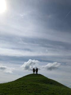 Auch diese Zwei geniessen die Aussicht ins Appenzeller Land. (Bild: Dirk Schmitz)