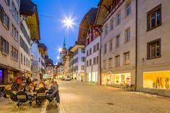 Aarau: Die Aargauer Hauptstadt soll gemäss einer Zürcher Verleumdungskampagne über keine Disco verfügen. Dafür darf zum Teil ganz selbstverständlich bis um 2:00 Uhr draussen konsumiert werden.Fazit: Das heimliche Napoli
