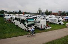 Auf dem Campingplatz des ESAF-Geländes ist schon vor der Eröffnung einiges los. (Bild: Stefan Kaiser)