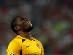 Roger Assalé trauert der verpassten Chance nach. (Bild: KEYSTONE/AP/DARKO VOJINOVIC)