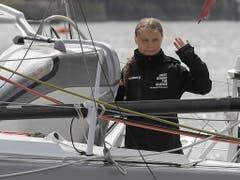 How are you today, America? Greta Thunberg grüsst von ihrem Segelschiff. (Bild: KEYSTONE/AP Pool/KIRSTY WIGGLESWORTH)