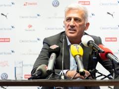 Nationalcoach Vladimir Petkovic verzichtet für die EM-Qualifikationspartien gegen Irland und Gibraltar auf den ehemaligen Captain (Bild: KEYSTONE/MELANIE DUCHENE)