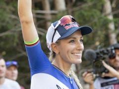 Die Französin Pauline Ferrand-Prévot ist die strahlende Siegerin (Bild: KEYSTONE/GIAN EHRENZELLER)