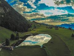 Schöne Spiegelung im Schönenbodensee. (Bild: Renato Maciariello)