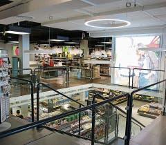 Der Zugang zum 1. Stock ist nur über den Laden von Aldi möglich.