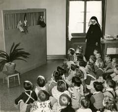 In der Viscosuisse gab es des Weiteren einen betriebseigenen Kindergarten (hier in den 1960er Jahren).