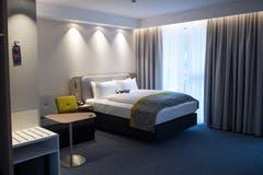 Blick in ein Zimmer des Hotels Holiday Inn Express. (Bild: Boris Bürgisser, Kriens 8. Mai 2019)
