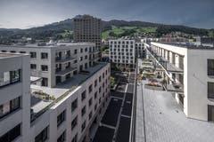 Blick von der Dachterrasse des Hauses Mattenhof 6 auf das neue Quartier. (Bild: Pius Amrein, Kriens 10. September 2019)