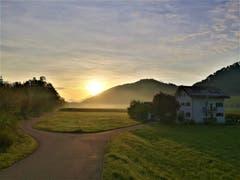 Wunderschöne Morgenstimmung mit leichtem Dunst über der Naturlandschaft. (Bild: Urs Gutfleisch, Blatten bei Malters, 10. September 2019)