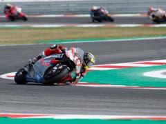 Tom Lüthi im Moto2-Rennen in Misano auf der Verfolgung der Top-3-Fahrer (Bild: KEYSTONE/AP/ANTONIO CALANNI)