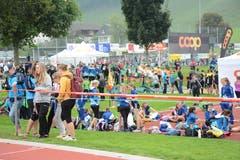 Hochbetrieb auf der Bütschwiler Breite. Mitglieder aus 32 Vereinen versammelten sich am Samstag im Toggenburg zum kantonalen Jugendturnfest. (Bild: Beat Lanzendorfer)