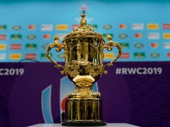 Um ihn geht es in Japan: der 38 cm grosse und 4,5 Kilo schwere Webb Ellis Cup (Bild: KEYSTONE/EPA/FRANCK ROBICHON)